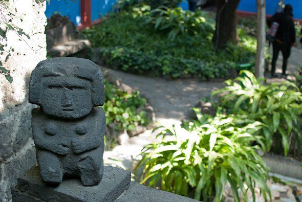 courtyard sculpture, Museo Frida Kahlo